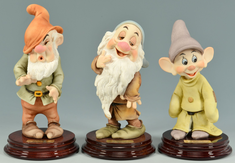 Lot 907: 4 Giuseppe Armani Snow White Figures