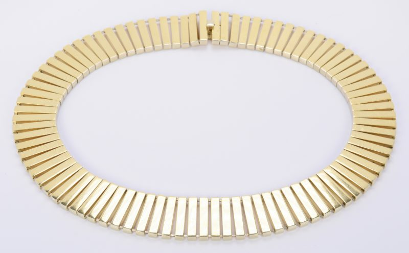 Lot 68: 18K Italian Choker Necklace, 119.7 grams