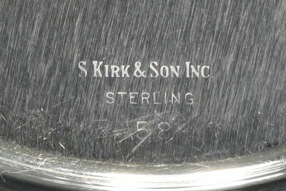 Lot 827: 20 Sterling Bread/Butter Plates, incl Kirk