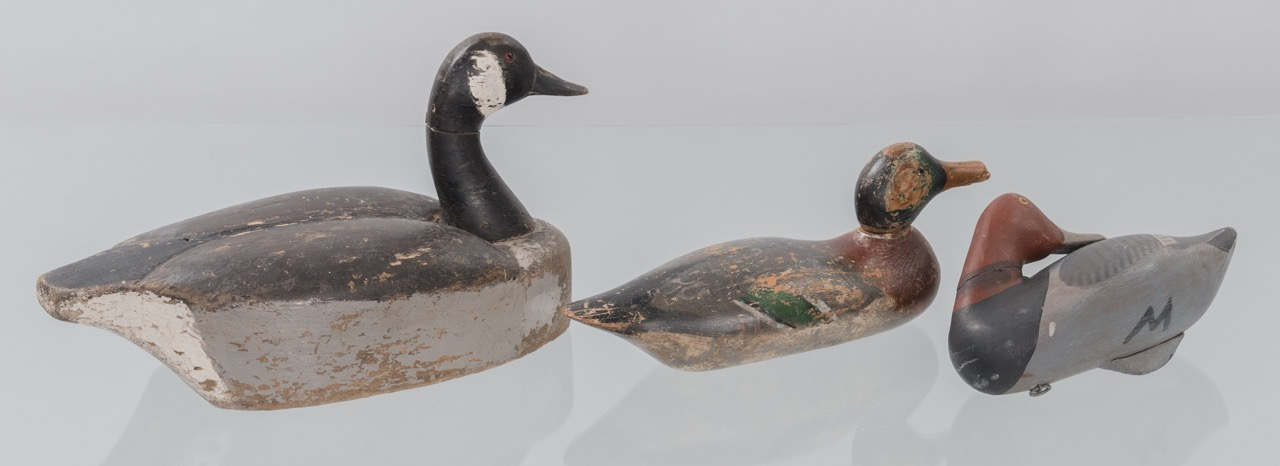 Lot 635: Group Carved Decoys & Creel (7)