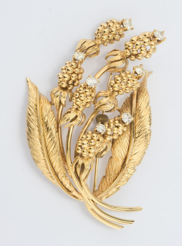 Lot 703: 14K Thistle Brooch with Diamonds