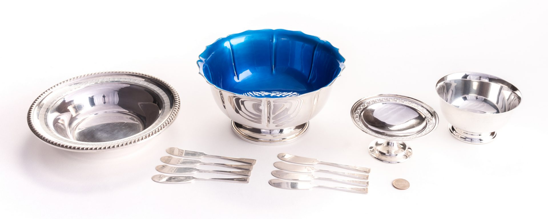 Lot 547: Sterling Silver Serving Bowls and spreaders, 12 items