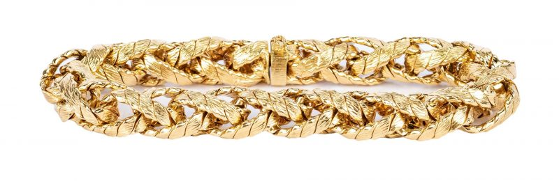 Lot 37: Tiffany & Co. 18K Link Bracelet, 40.8
