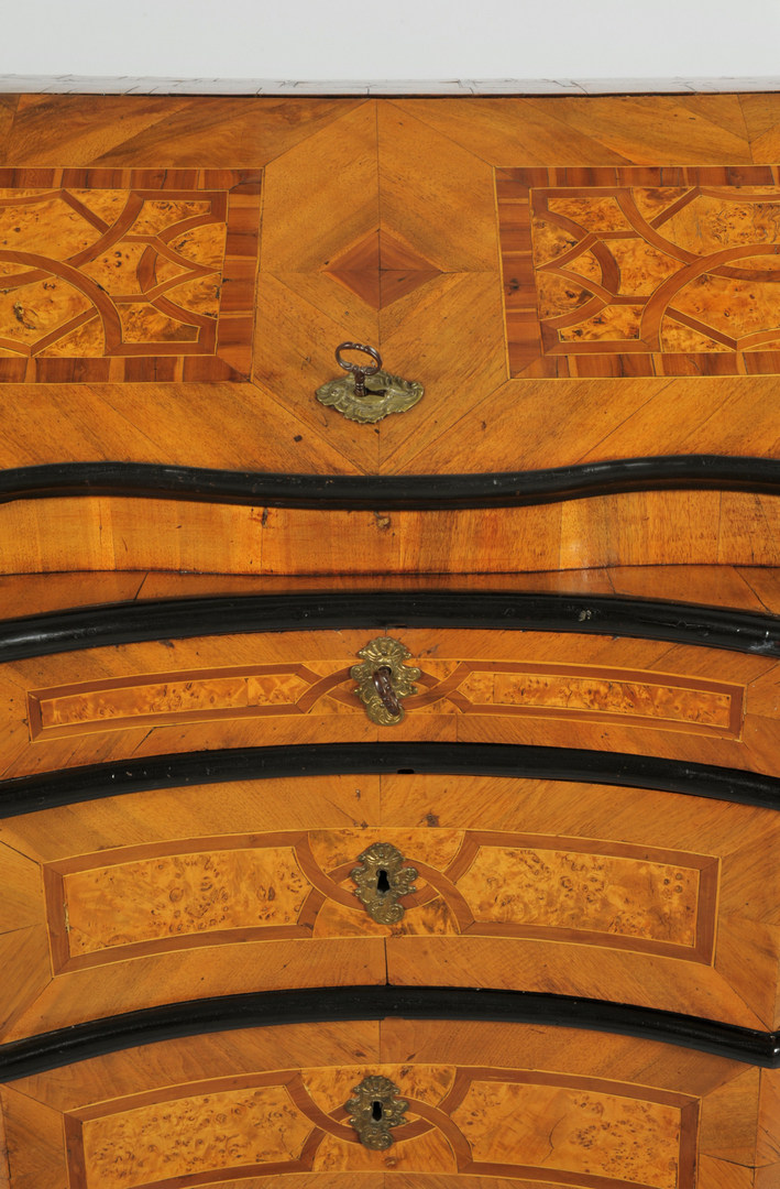 Lot 101: Continental Parquetry Desk