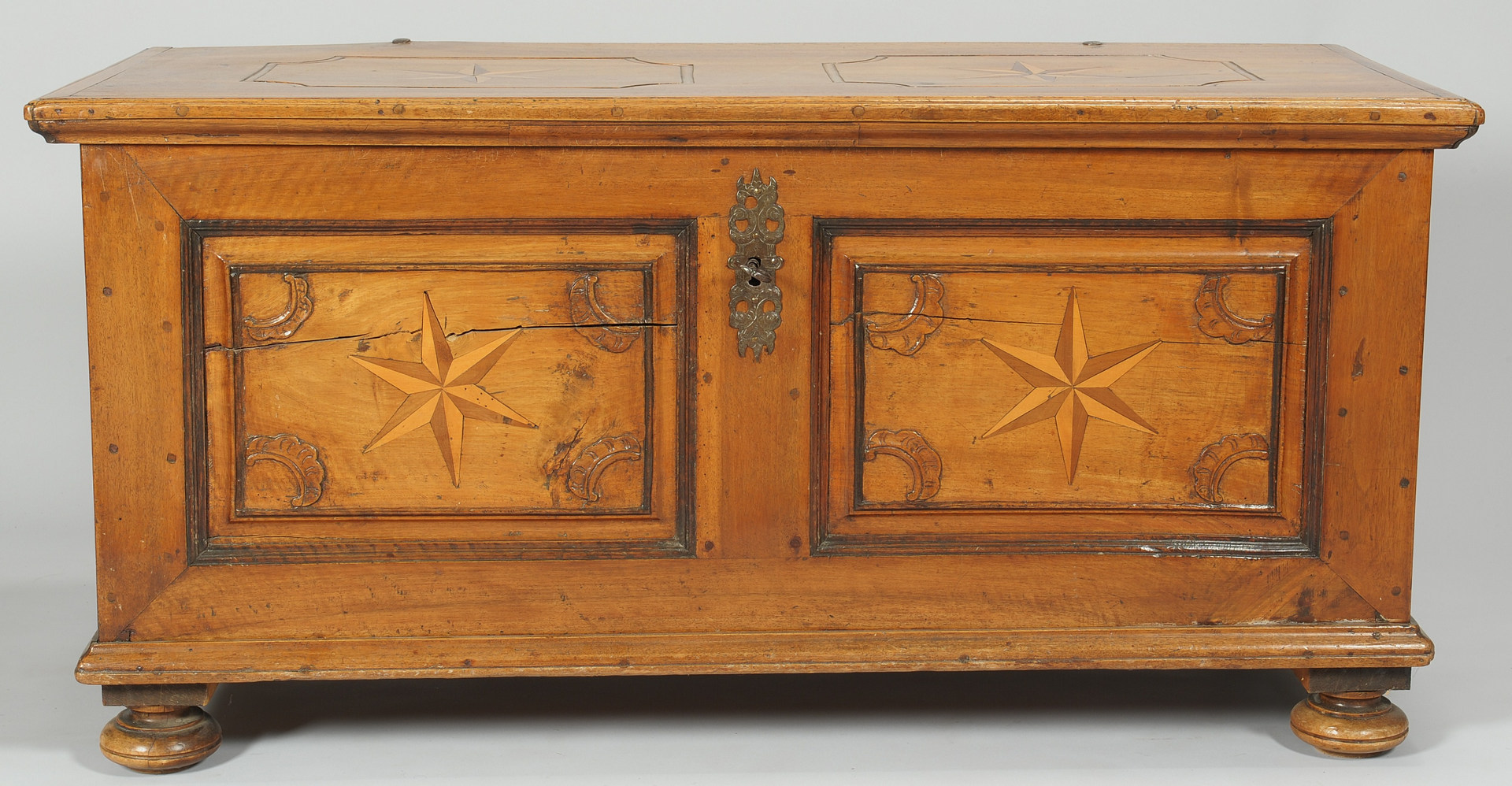 Lot 102: Continental Blanket Chest w/ Star Inlay