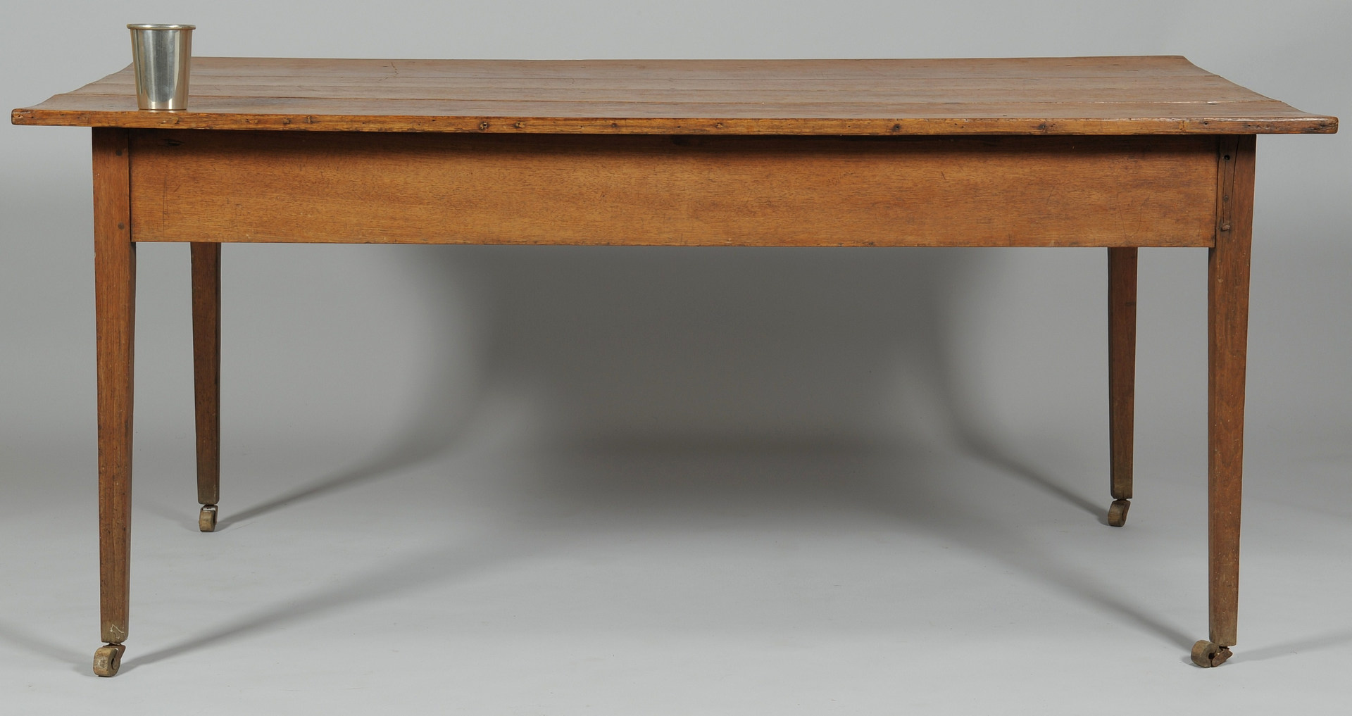 Lot 114: Tennessee Hepplewhite harvest Table