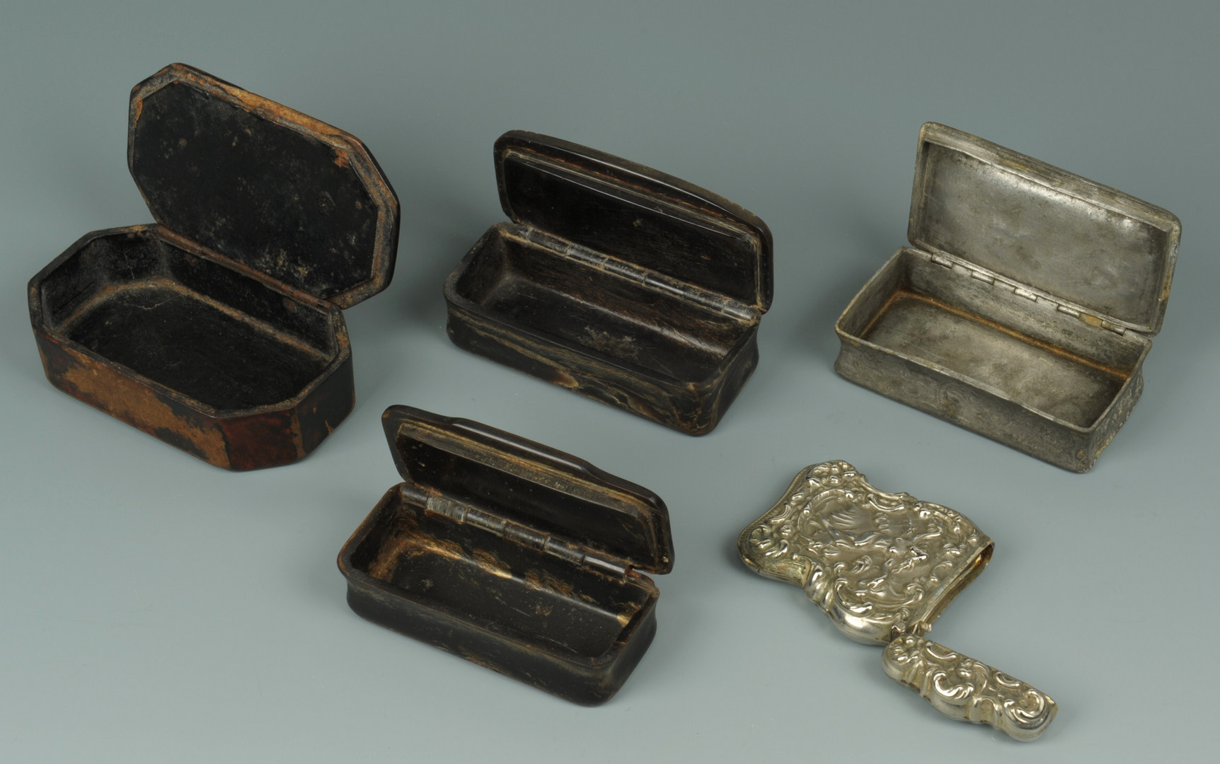 Lot 149: Group of decorative items: sterling, horn, 10K