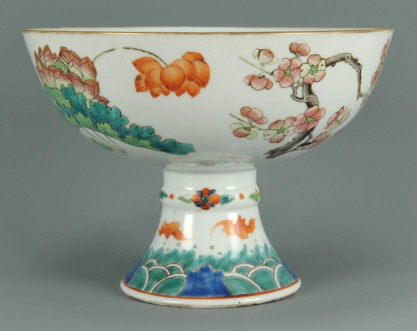 Lot 201: Chinese Famille Rose Porcelain Compote