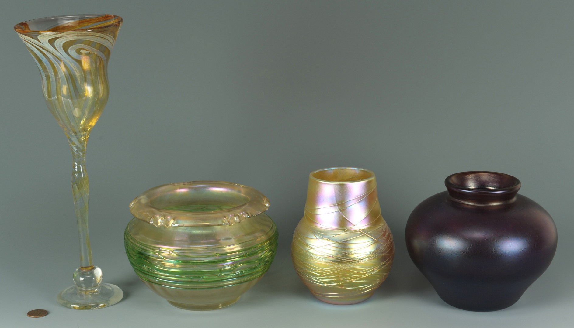Lot 272: Four pcs contemporary art glass, incl. R. Jolley