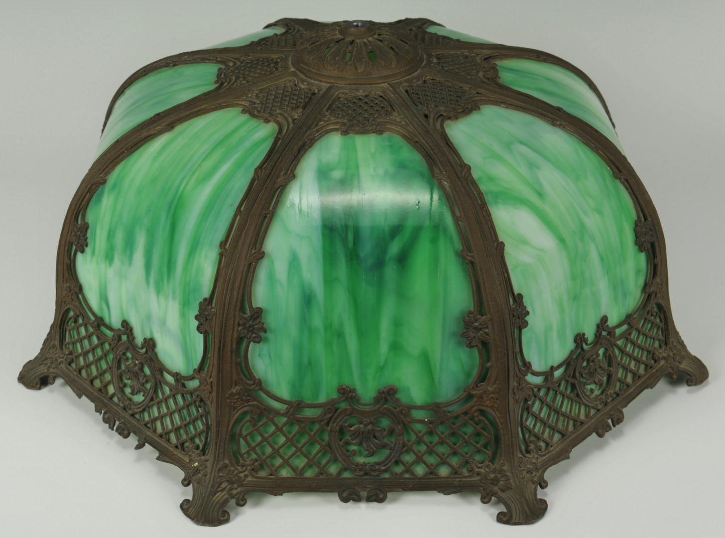Lot 274: Table Lamp with Slag Glass Shade and Base