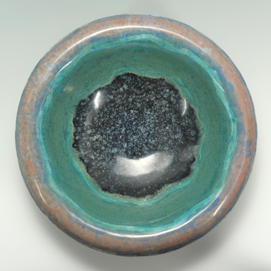 Lot 283: Art pottery bowl in the Fulper style