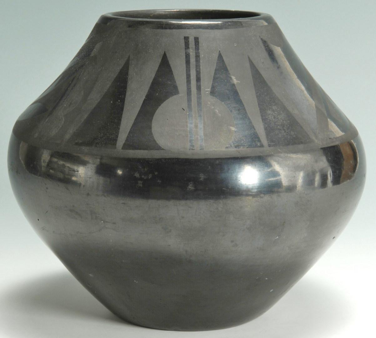 Lot 399: San Ildefonso Pottery Jar Signed Tonita