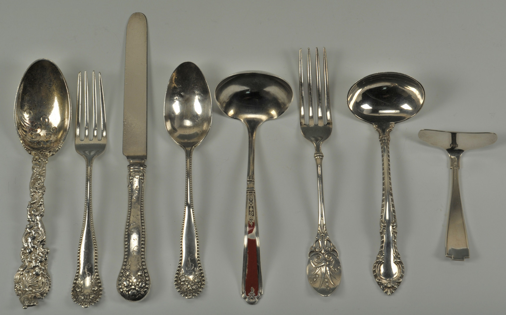 Lot 417: 31 Pieces of Mixed Gorham Sterling Flatware