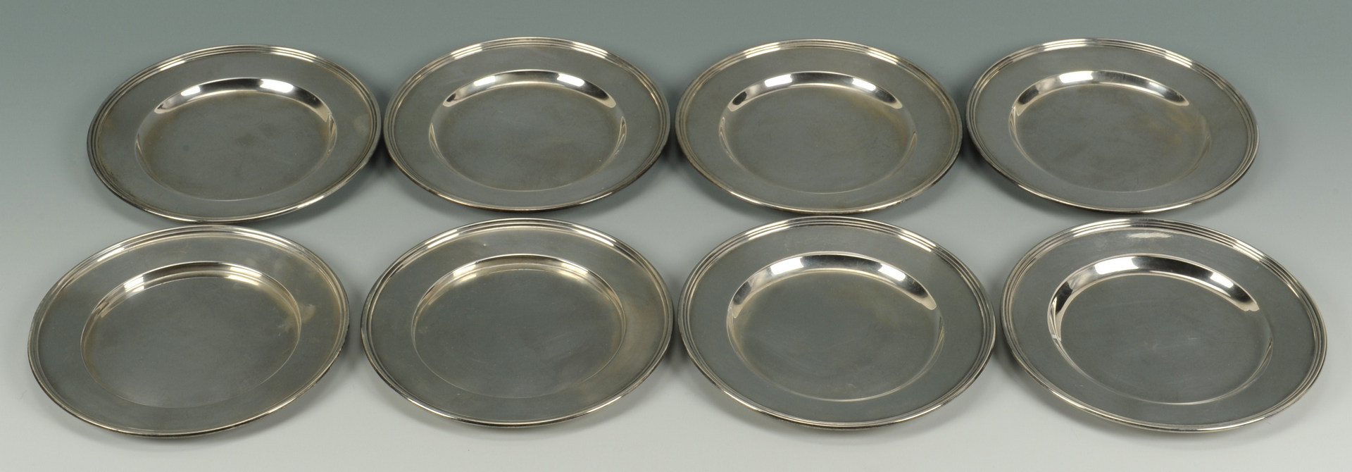 Lot 420: 8 Sterling Bread Plates by International and Fishe