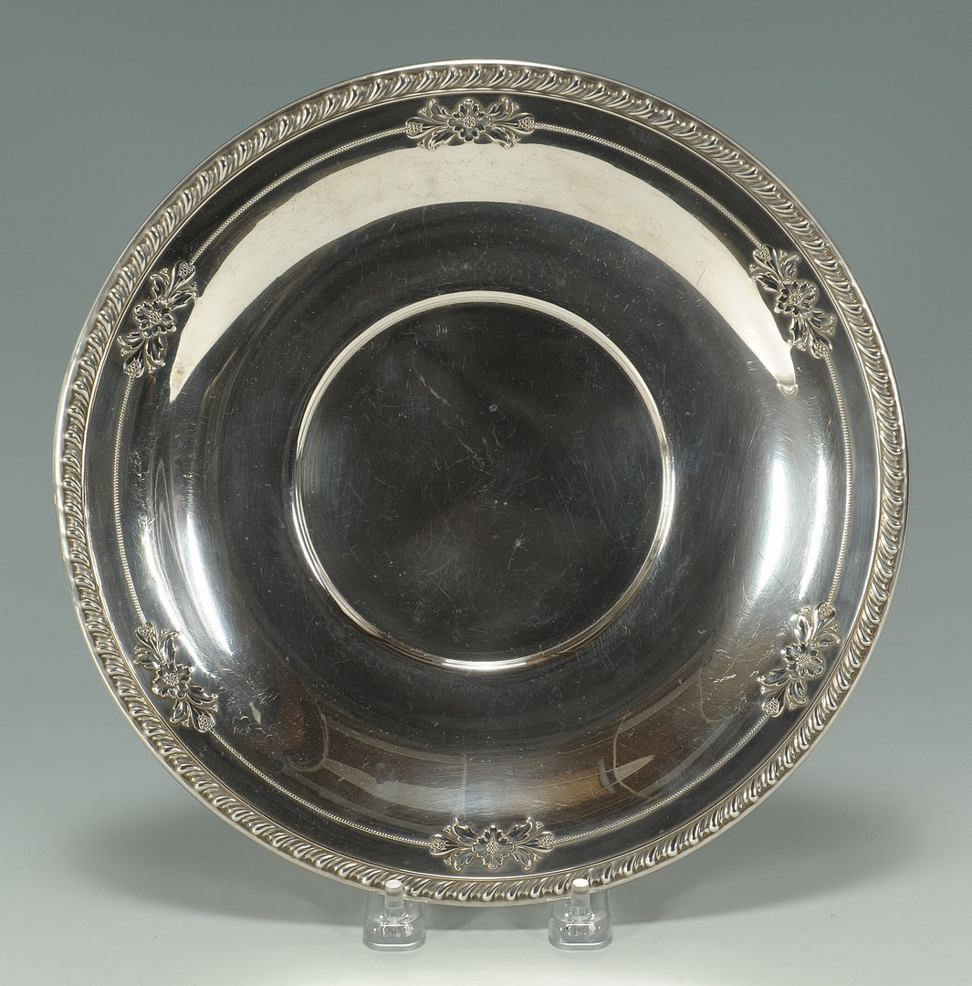 Lot 439: Wallace Sterling plate and assorted bowls, 6 pcs