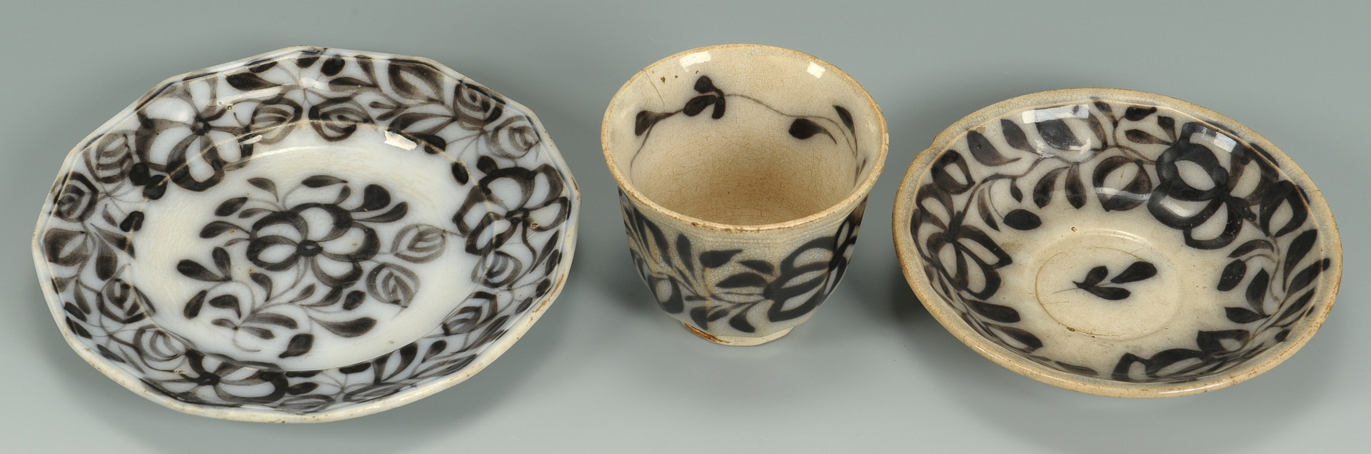 Lot 493: Transfer ware bowl, pitcher and dinnerware