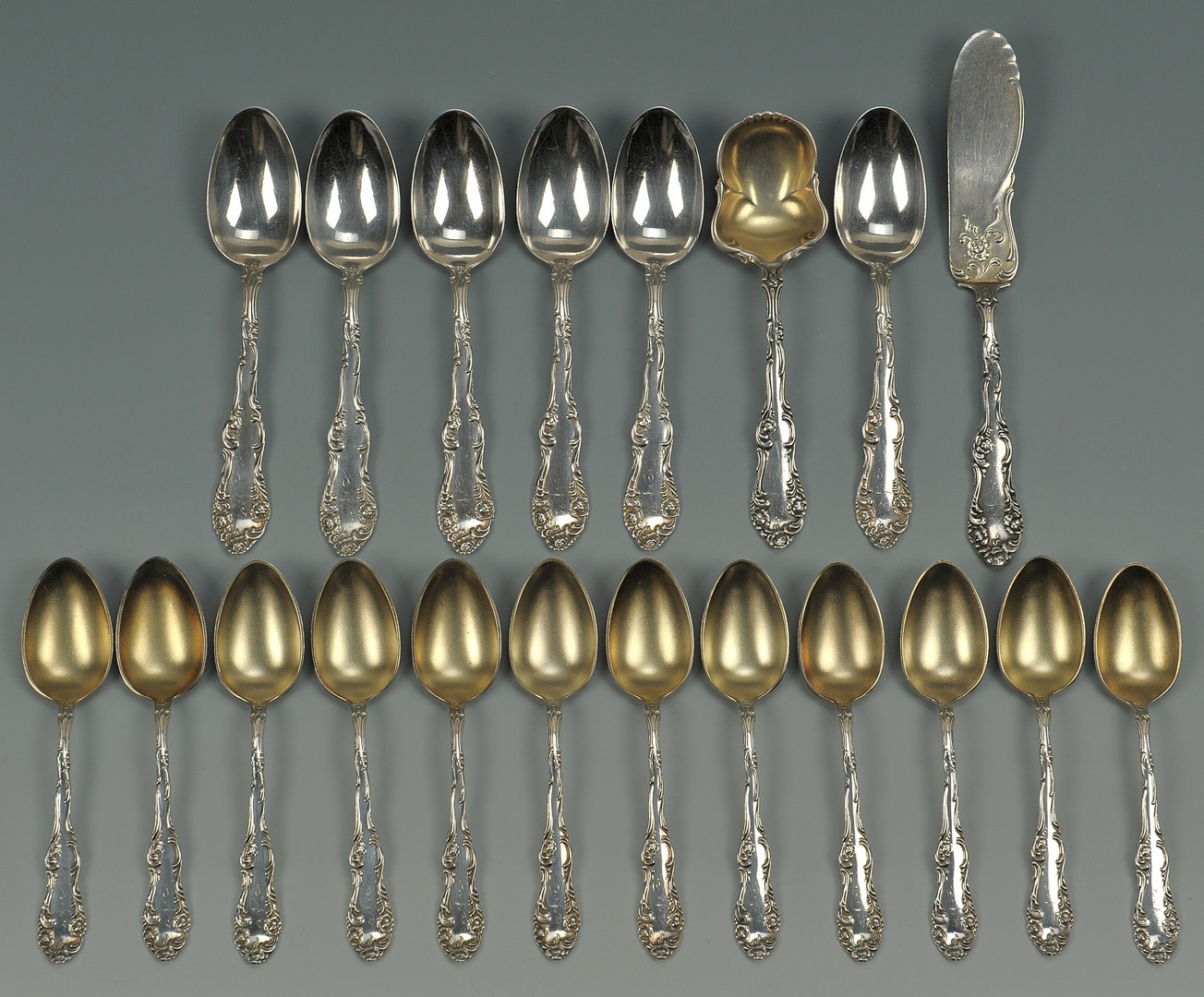 Lot 508: Towle Old English Sterling Flatware, 20 pcs