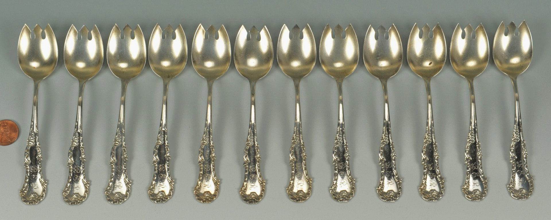 Lot 510: 12 George III Whiting Sterling Ice Cream Forks