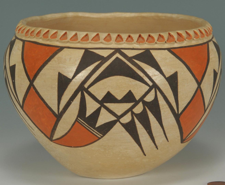 Lot 530: Acoma pottery jar, Virginia Lowden