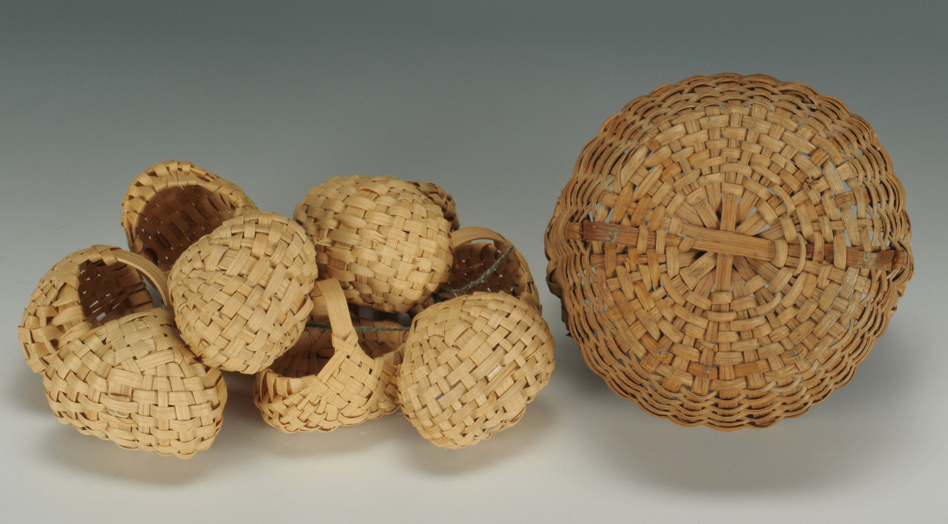 Lot 537: Group of Southern Baskets incl Charlotte Tracey