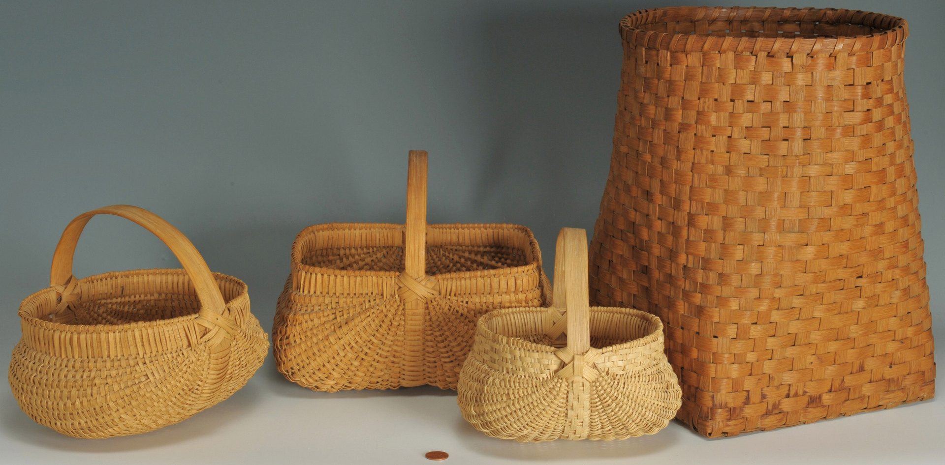 Lot 538: 5 American baskets, some Tennessee