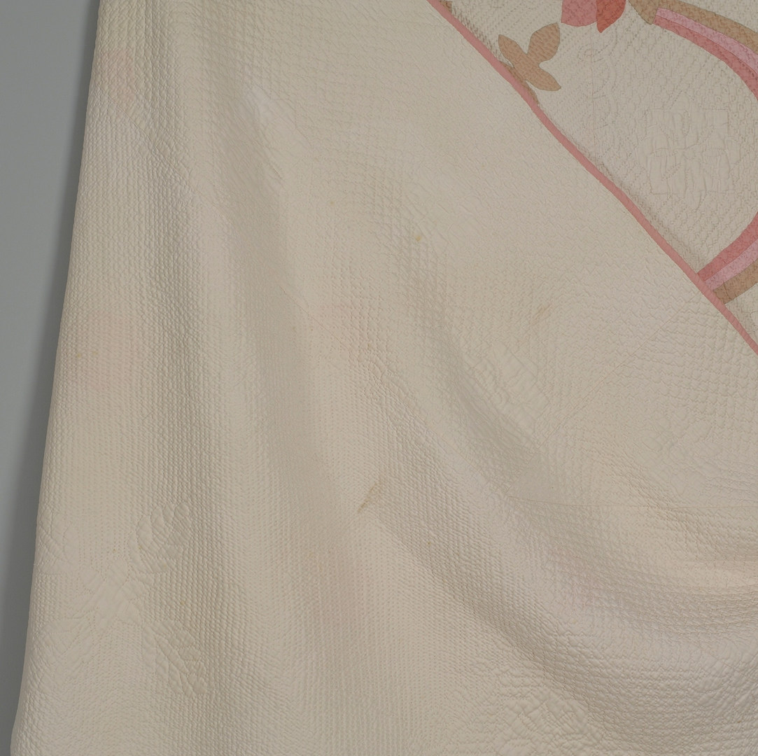 Lot 584: East TN Quilt, California Rose Pattern