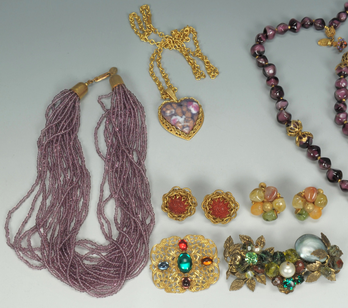 Lot 609: Vintage Miriam Haskell Jewelry, 5 necklaces + 2 br