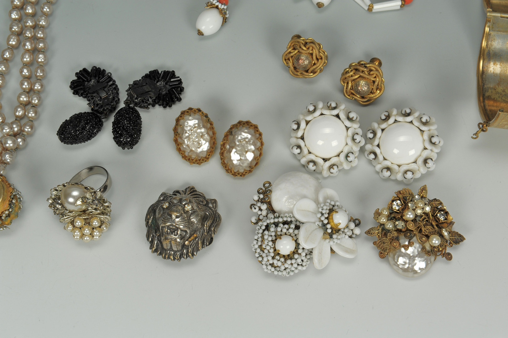 Lot 610: Vintage Assorted Miriam Haskell Jewelry