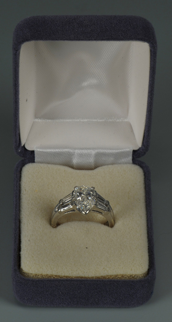 Lot 69: 2.03 cts Pear brilliant Diamond Platinum Set