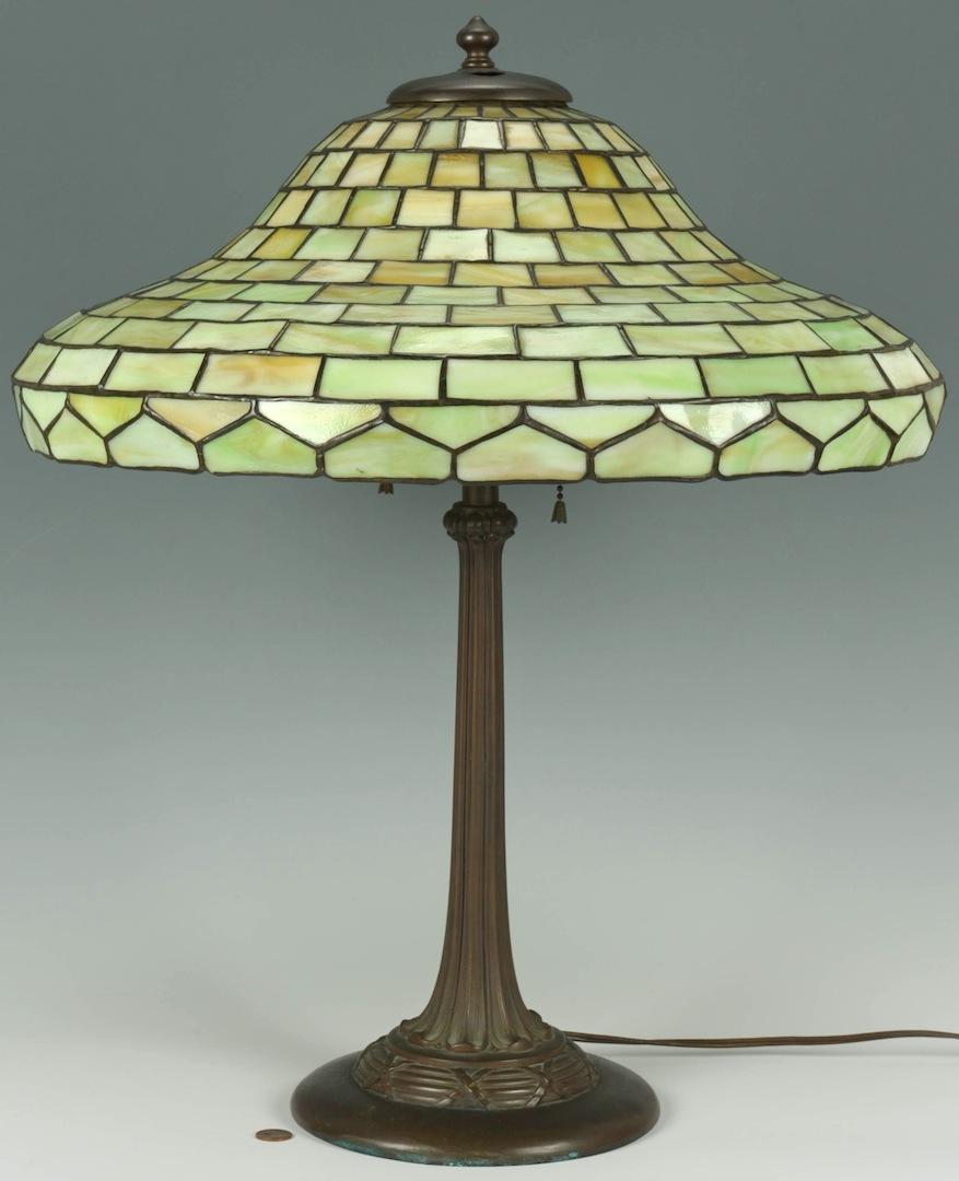 lot inv 3934 handel art glass lamp w green glass shade. Black Bedroom Furniture Sets. Home Design Ideas