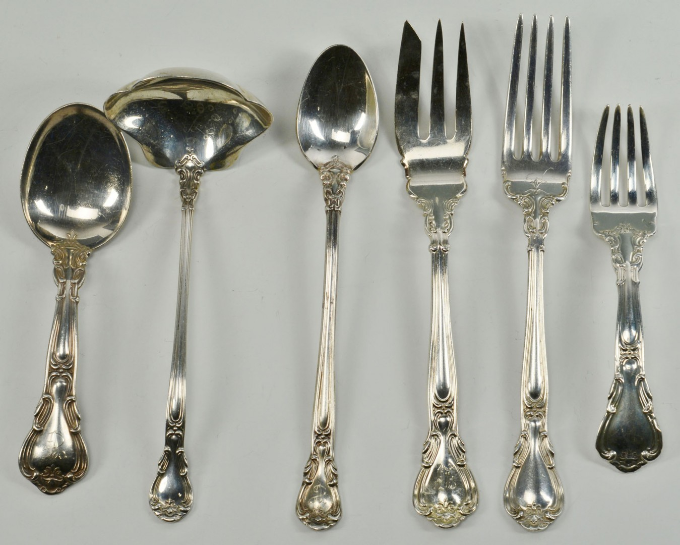 Lot 107: Gorham Chantilly Sterling Silver Flatware, 68 pcs