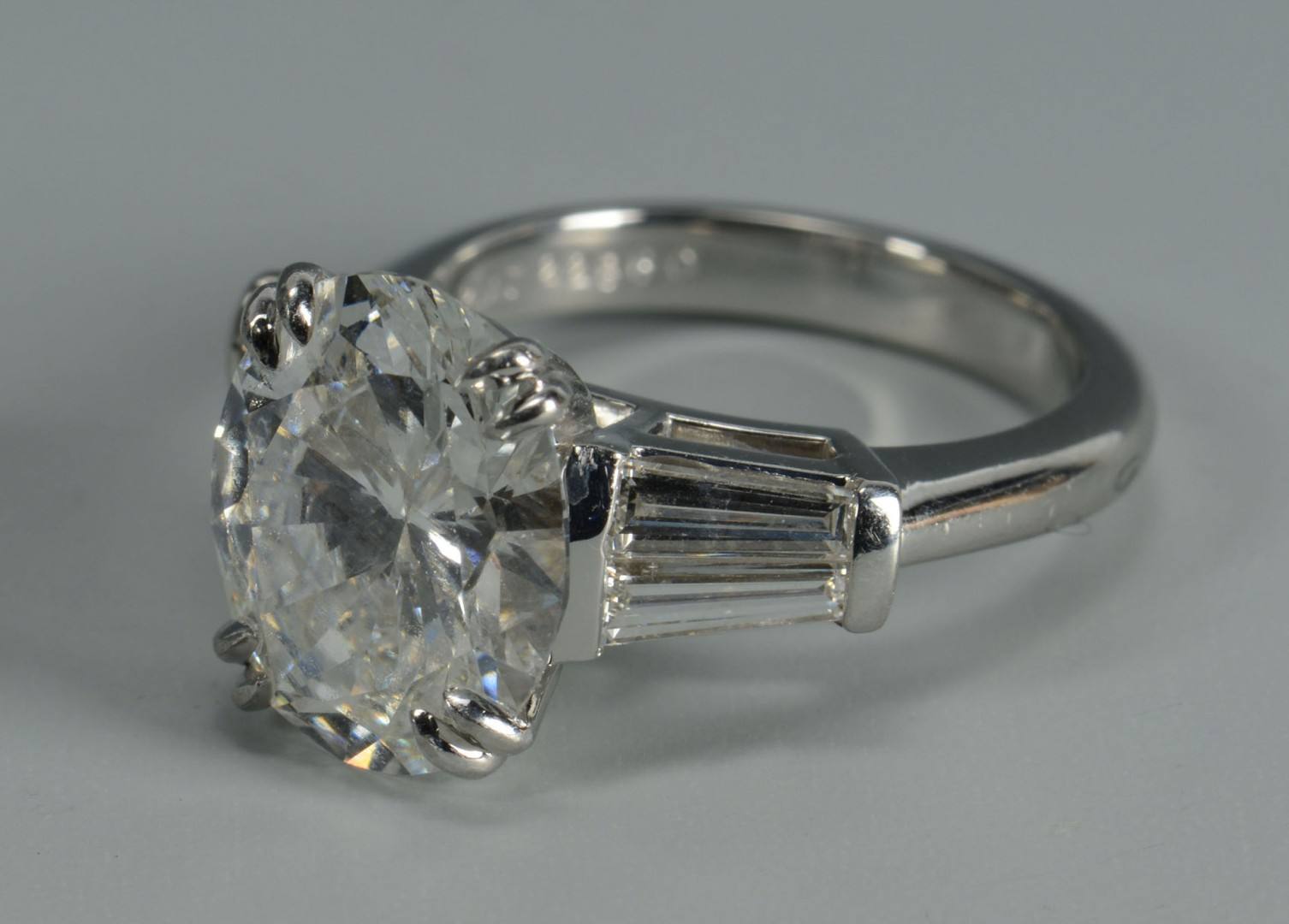 Lot 115: Plat Oval Brilliant 4.90 ct Diamond Ring, GIA repo