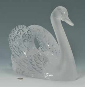 Lot 164: Lalique Crystal Swan