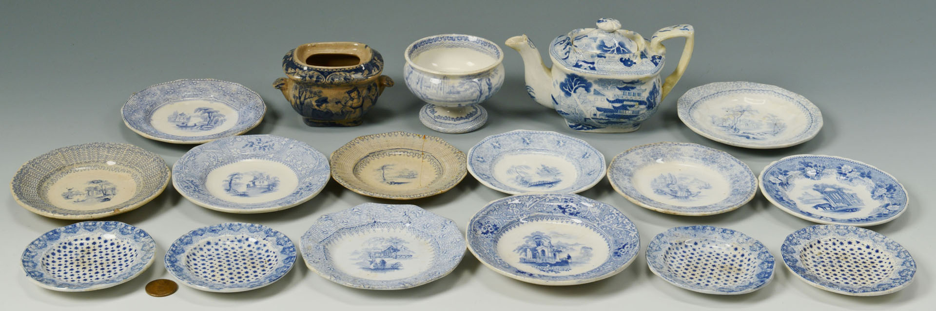 Lot 281: 47 pcs Blue & White English Transferware