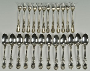 Lot 301: 24 pc. Sterling flatware, La Reine and Rosalind