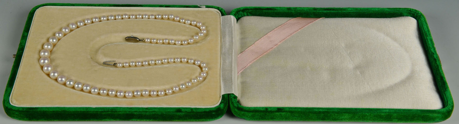 Lot 313: 4 pcs Ladies Jewelry inc. gold watches & pearls