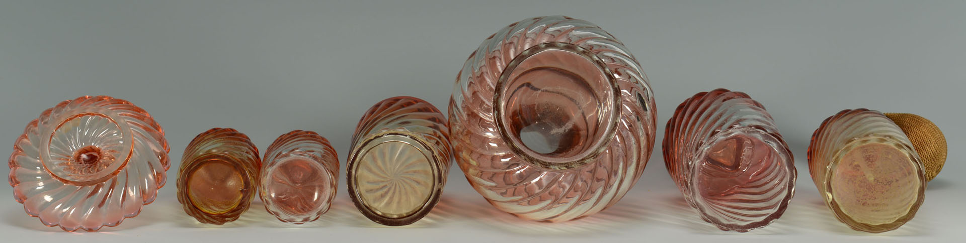 Lot 366: Lot of Baccarat Amberina Glass items, total 11