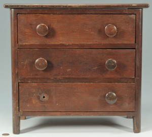 Lot 463: Miniature three-drawer chest