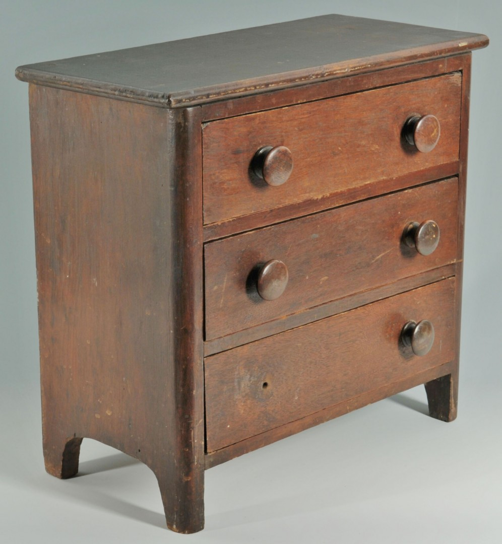 Miniature three-drawer chest
