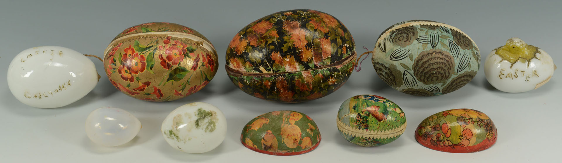 Lot 514: Grouping of Easter Containers & Decorative Items
