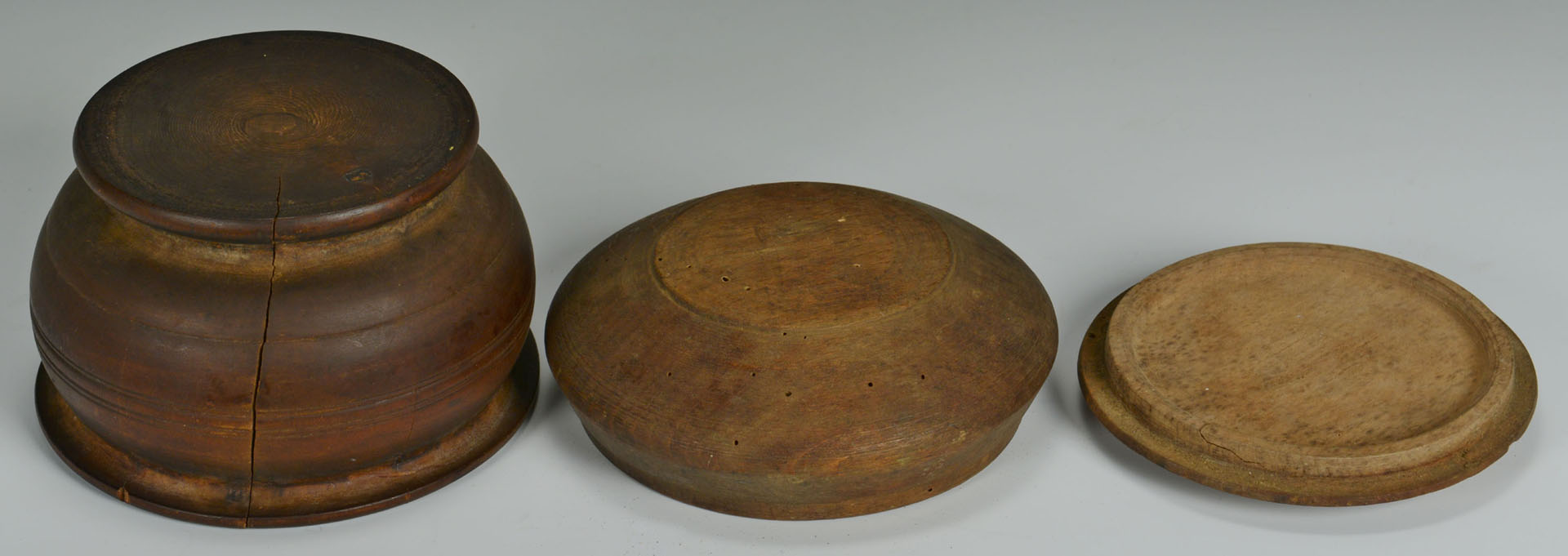 Lot 537: Grouping of Shaker Boxes, Firkins, Treenware