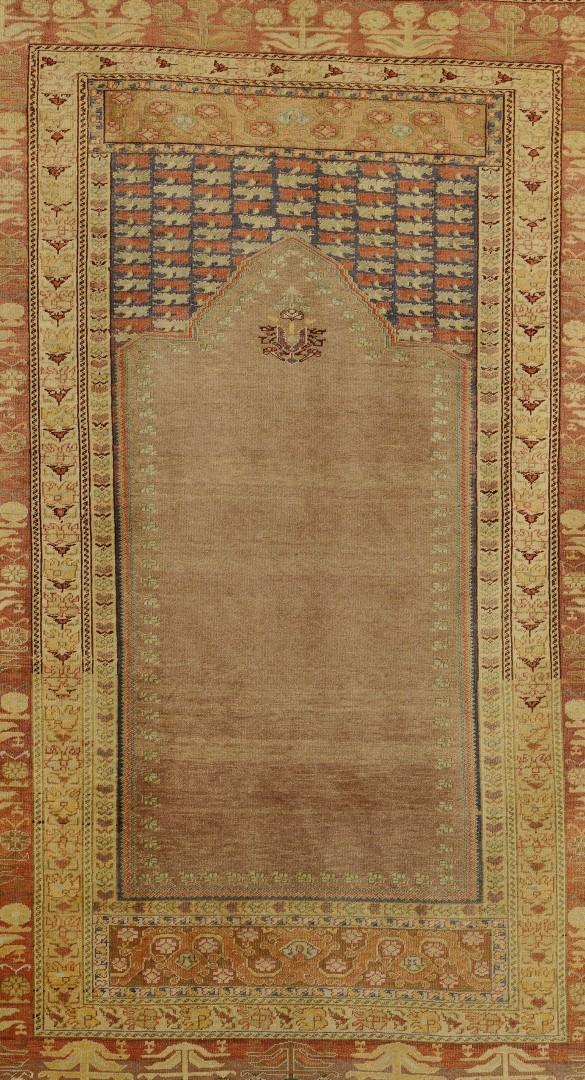 Lot 569: Semi-Antique Turkish Ghiordes Prayer Rug, 6.5 x 4.