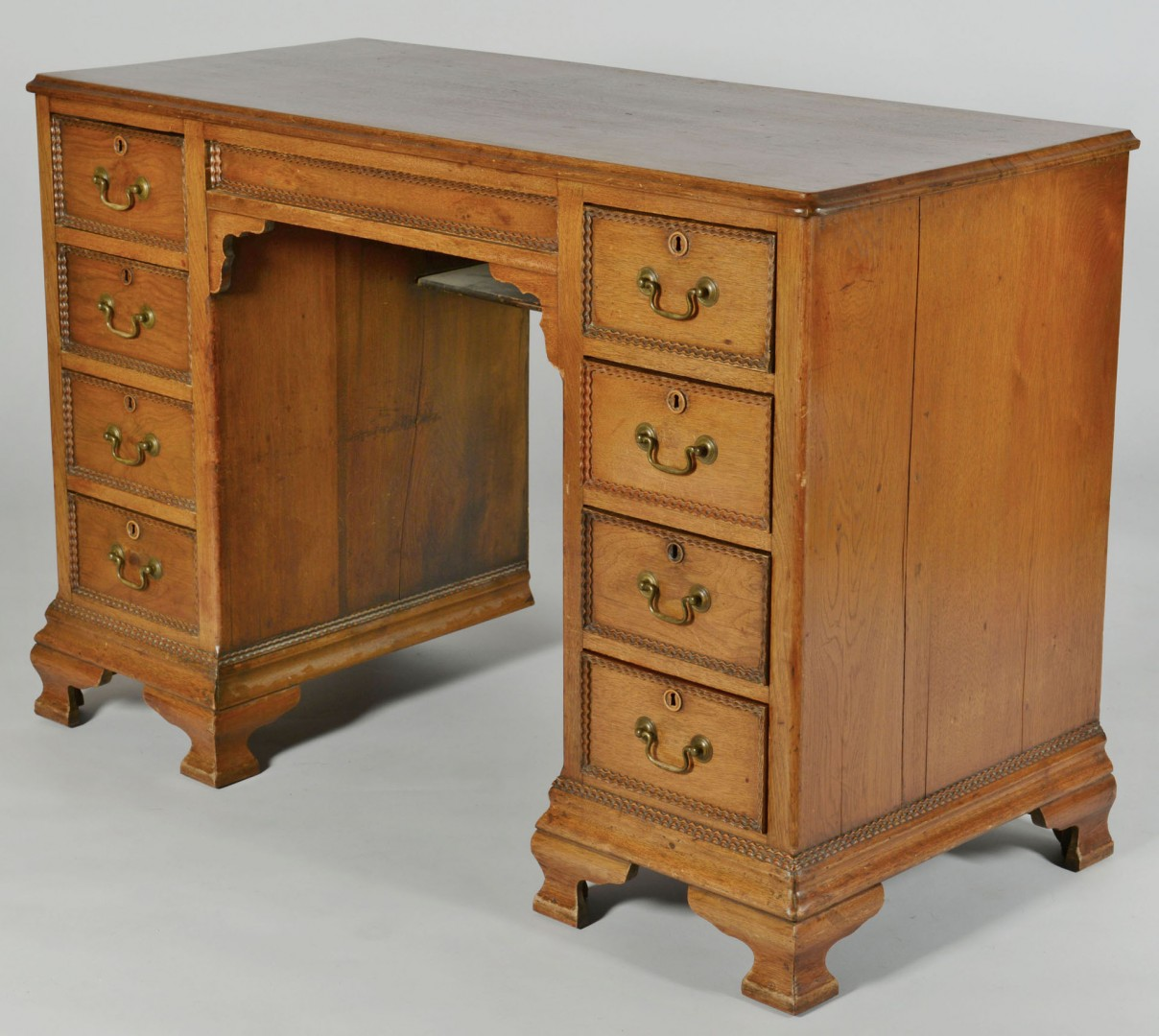 Lot 574: Late 19th century Doctor's Desk, Knoxville history