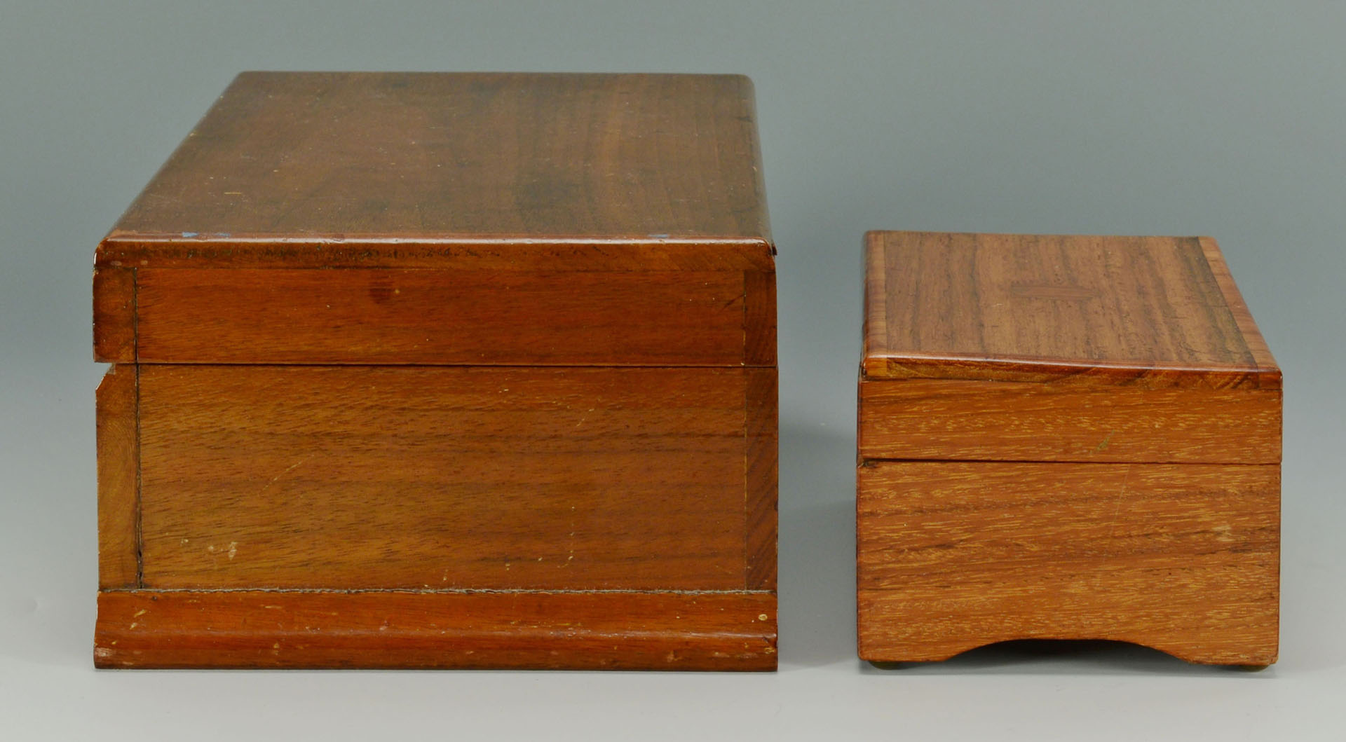 Lot 581: 2 Thorens Swiss Music Boxes & 21 discs