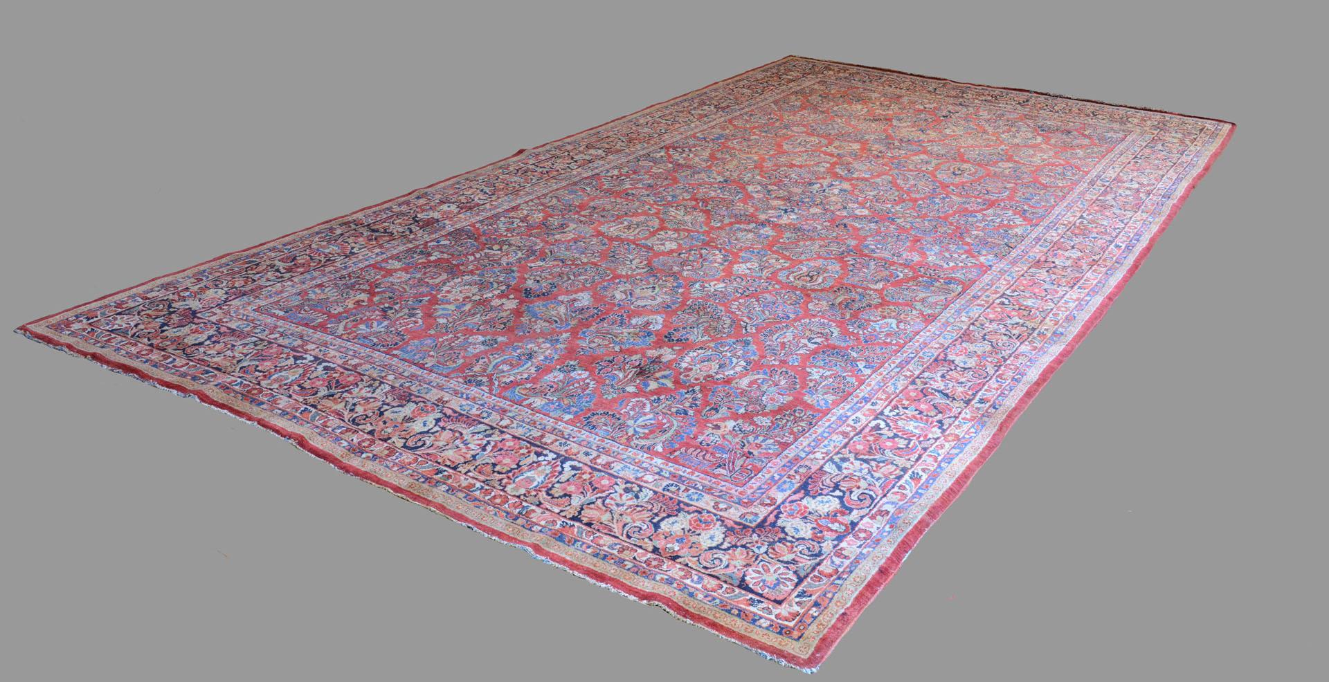 Lot 656: Semi-Antique Persian Sarouk Carpet