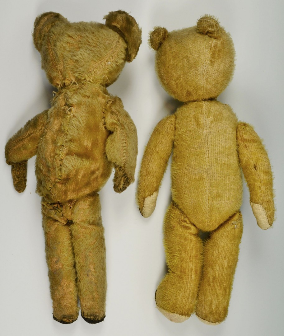 Lot 668: 5 Early 20th Century Toys/child Items