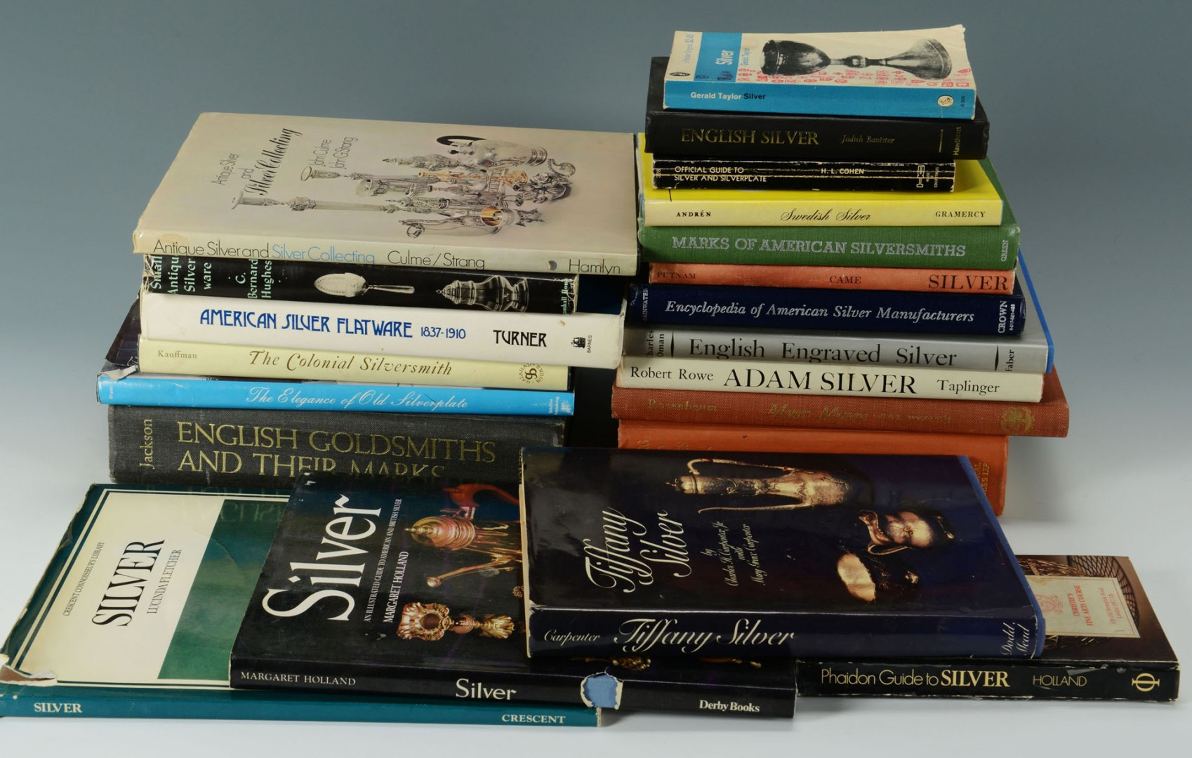 Lot 697: Grouping of 21 Books on Antique Silver & Gold