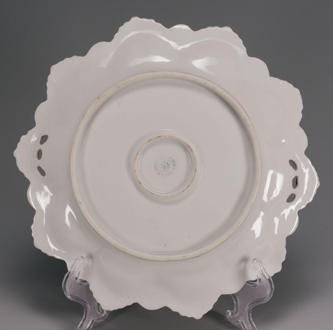 Lot 716: 3 Japanese Porcelain Items