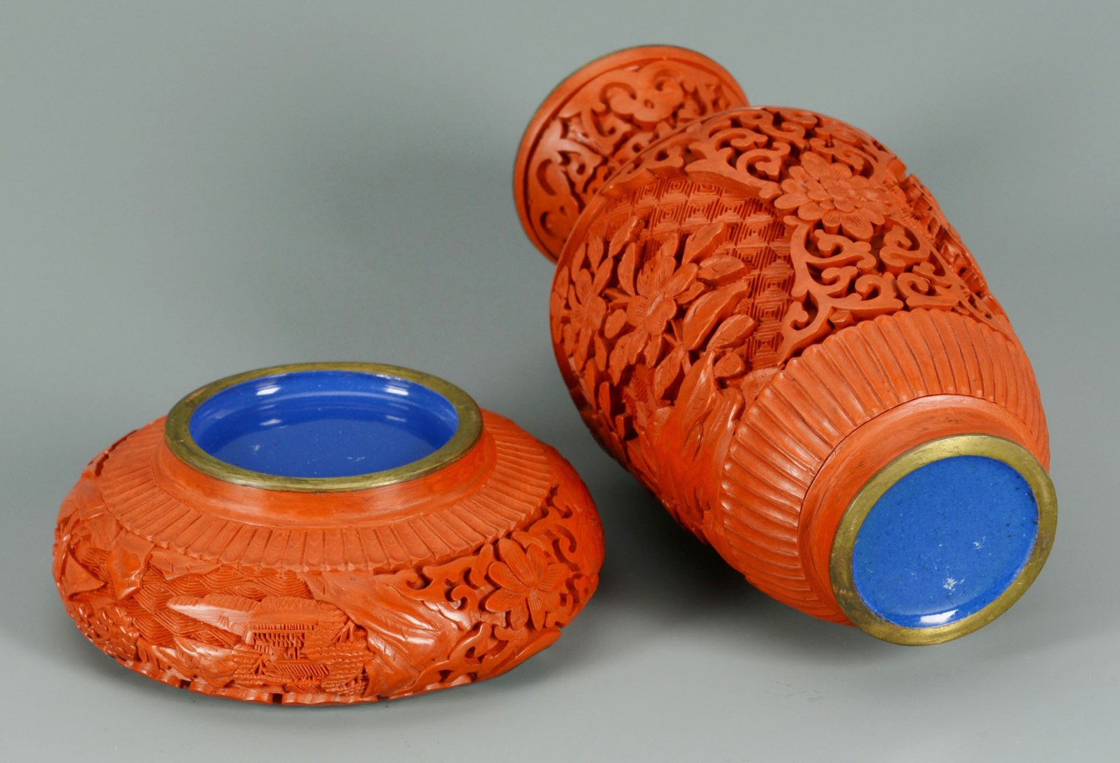 Lot 718: Chinese carved cinnabar vase & ashtray