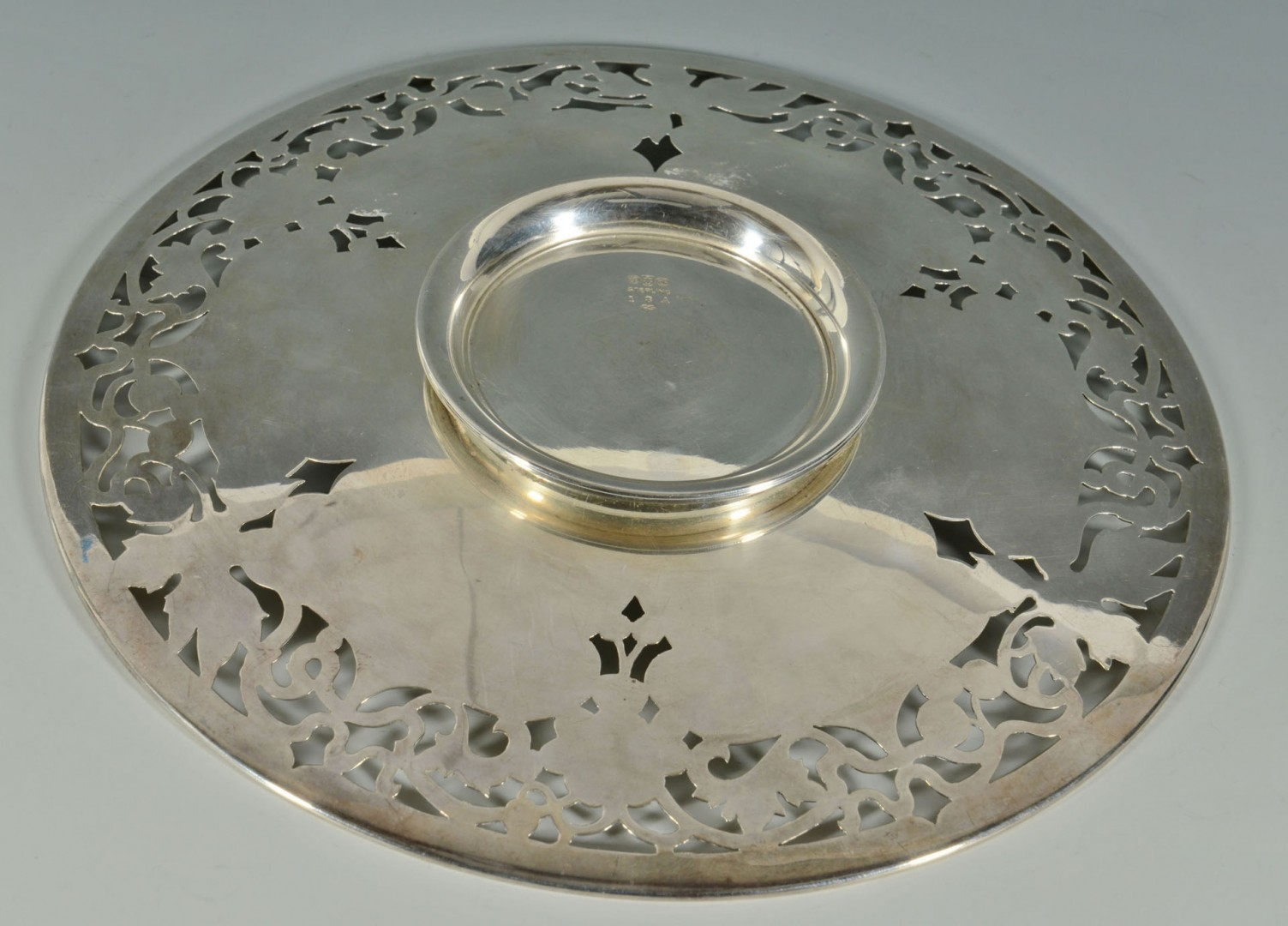 Lot 727: Gorham Sterling Pedestal Dish with engraved grapes